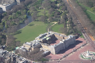 Helicopter Tour over Buckingham Palace